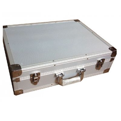 Geamantan din aluminiu pentru camera de documente
